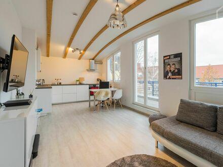 Loft mit 14qm Balkon | Gehobene Ausstattung | Ruhig & Schön | Neat flat in Niederschöneweide