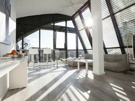 Exklusives & modernes Loft mit fantastischem Blick auf die Burg   Exclusive & modern loft with fantastic castle view