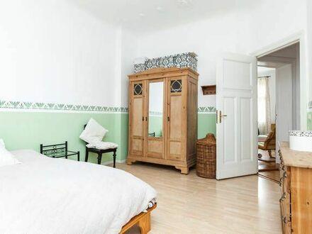 Wunderschöne Altbauwohung mit Aufzug und Balkon in Bestlage Friedrichshains | Family-friendly flat with elevator and balcony…