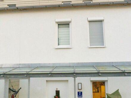 Gemütliches Stadthaus für eine Familie im Speckgürtel Münchens mit kleinem Garten | Comfy family home in Munich area with…