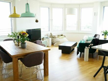 Exklusive, neuwertige 3-Zimmer-Wohnung mit Balkon & moderner Design-Einrichtung in Obersendling | Exclusive 3-room apartment…