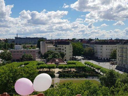 Dachgeschosswohnung mit 360 Grad Blick in Charlottenburg | Penthouse with 360 degree view in Charlottenburg