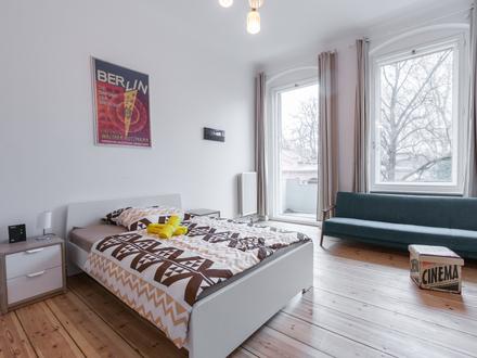 2-Zimmer-Wohnung mit Balkon im trendigen Neukölln | Bright 2-rooms apartment with balcony in trendy Neukölln