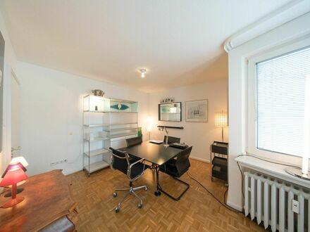 Luxuriöse, lichtdurchflutete Wohnung am Hofgarten | Luxurious and bright apartment close to Hofgarten