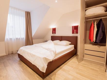 2-Zimmer, komplett eingerichtet, eine großzügige offene Küche und viel Platz, Housekeeping und ein Host der für dich da ist…