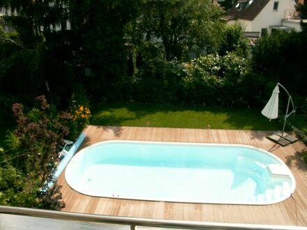 Feine DG-Wohnung mit Südbalkon im Norden Arheilgens, Darmstadt | Spacious and awesome suite - great view!