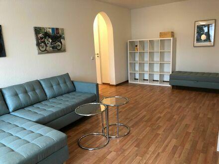 Neu renovierte & eingerichtete, schöne & helle 2 Zi Whg | Newly renovated, newly furnished 62 sqm flat