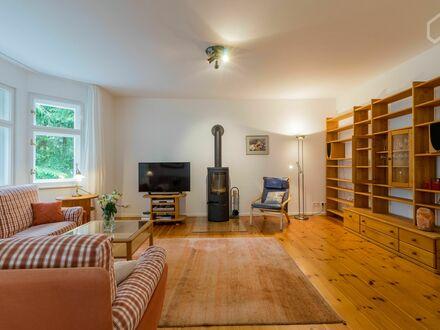 Sehr schöne 4-Zimmer-Wohnung mit Balkon und Garten | Fantastic & awesome flat with a balcony