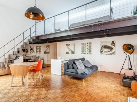 Industriecharme & Design: Loft mit Galerie in Berlin-Mitte | Beautiful 1-Bedroom Flat near Rosa-Luxemburg-Platz