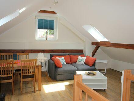 3-Raum-Maisonette-Wohnung mit zwei Bädern, zentrale Lage im Zentrum von Warnemünde | Modern, fashionable suite in excellent…