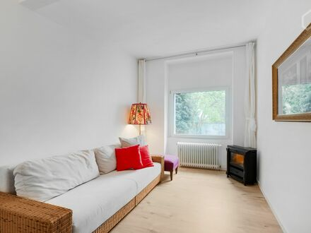 Ruhige, zentrale 2-Z-Wohnung Messenähe Köln | Quiet and central 2-bedroom flat near trade fair in Cologne