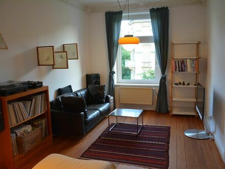 Wundervolle helle und geräumige Altbauwohnung in Eimsbüttel | Wonderful, bright and spacious apartment with high ceilings…