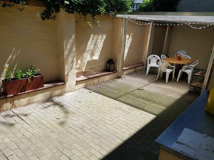 Möblierte Wohnung mit großer Terrasse und Stellplatz an der Karl-Heine-Straße | Furnished apartment with big terrace and…