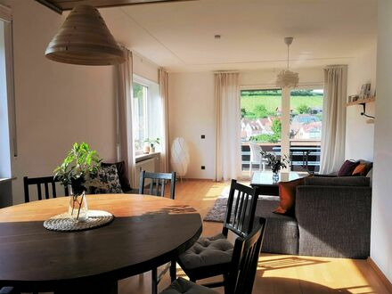 Fantastisches, moderne Wohnung mit Panoramaausblick | Beautiful, bright appartment with panoramic view