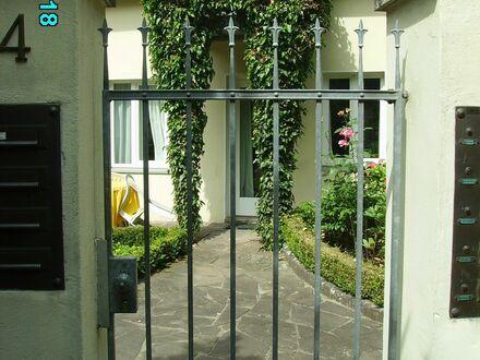 Liebevoll eingerichtete und großartige Wohnung auf Zeit in Köln | Nice & spacious flat located in Köln