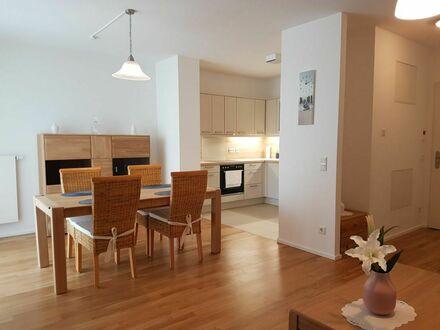 Liebevoll eingerichtetes 2,5 Zimmer Studio Apartment - super Aussicht! | Beautiful flat - great view!