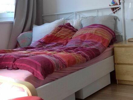 Liebevoll eingerichtete, helle Wohnung direkt am Altona Bahnhof | Wonderful, light-flooded flat in Altona