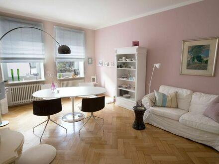 Wunderschöne Wohnung im sanierten Altbau – mitten in München | Charming downtown Munich Apartment with Designer interior