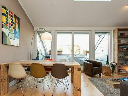 Modernes Appartement in Hamburg Eppendorf mit Blick auf einen ruhigen Innenhof mit Dachterrasse | Modern apartment in Hamburg…