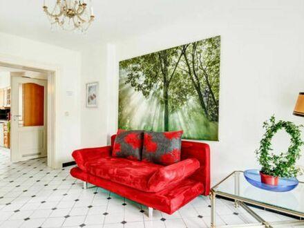 Charmante, schöne Wohnung mit Balkon und großer Küche am Park, voll möbliert - München | Charming, beautiful apartment with…