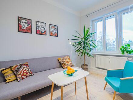Frisch renovierte, moderne 2-Zimmer-Wohnung in Neukölln | Newly renovated, modern 2-room apartment in Neukölln