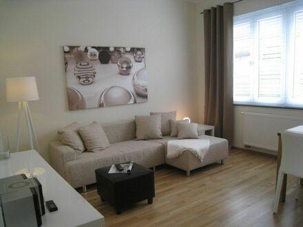 Himmlische sanierte Altbauwohnung mit Sonnenbalkon in Köln-Sülz   Heavenly renovated apartment with sunny balcony in Köln-Sülz
