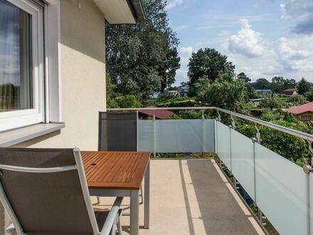 Smart Home - Gemütliches Paradies mit Südbalkon - in Adlershof | Smart Home - Cozy 50 sqm apartment with balcony - in Adlershof