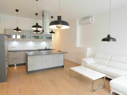 2,5 Zimmer-Luxuswohnung mit 2 Bädern und Kochinsel in Maxvorstadt | 2,5 room luxury apartment with 2 bathrooms and cooking…
