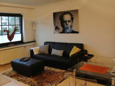 Fantastisches, helles Zuhause mit Charme | Beautiful and charming studio, Düsseldorf