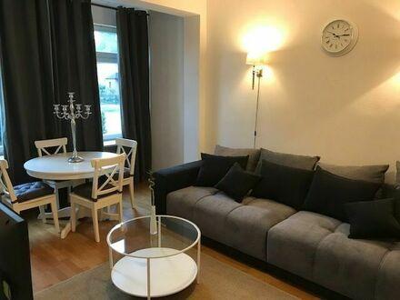 Möbilierte und modernisierte 2.5 Zimmerwohnung in grün Niendorf | 2.5 room apartment in the green Niendorf area