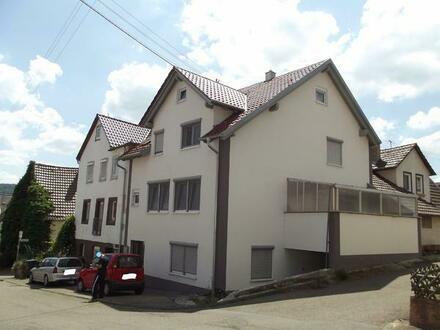 Neuwertiges schönes Wohnhaus