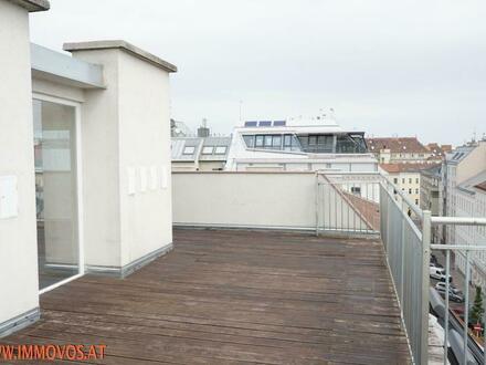 Neuwertige 2-Zimmer Wohnung mit 43 m2 Dachterrasse & Wintergarten in ruhiger Wohnlage!