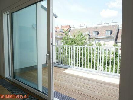 Stay Relax Enjoy: DG-Erstbezug mit 4-Zimmern u. hohen Räumen mit Hofterrasse + Garage in Augarten-Nähe