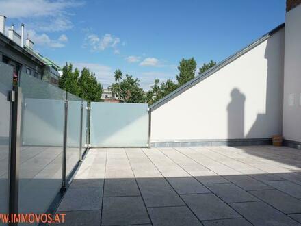 Exquisiter 5 Zimmer DG-Erstbezug mit 2 Terrassen und Grünblick zentral im 8. !! Nur 1e Ebene !!