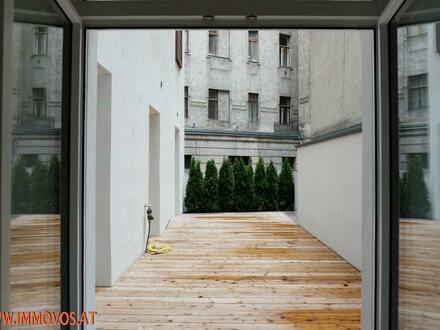 Ihr Standortvorteil an der Grenze zum 1. Bezirk: Wohn-Büro-Kombi in wunderschönem Mariahilfer Altbau-Juwel mit Freifläche