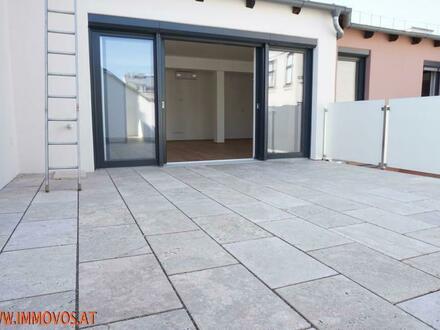 Gönnen Sie sich diese Rarität! 4-Zimmer DG-Erstbezugs-Wohnung mit 2 Terrassen und alles auf 1er Ebene