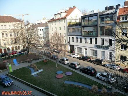 Topsanierte, großzügige 2-Zimmer Wohnung (Nähe U6 und U3)  unweit der Innenstadt, aber außerhalb des Trubels können Sie…