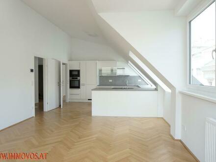 Alles auf einer Ebene in Augarten-Nähe: 3 Zimmer-DG-Erstbezug mit hohen (!) Räumen und Stellplätzen im Haus