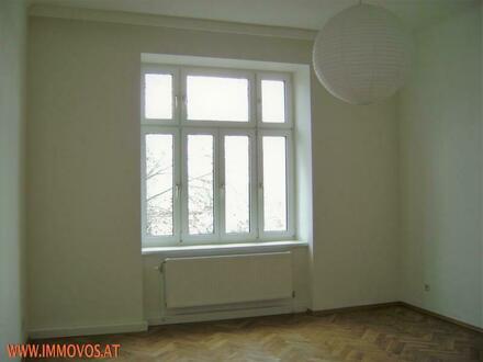 001_Schlafzimmer.JPG