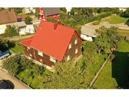 REMAX - Keine Käuferprovision! Traumhaftes Eckgrundstück mit viel Grün – charmantes Einfamilienhaus – modernisiert mit ökologischen…