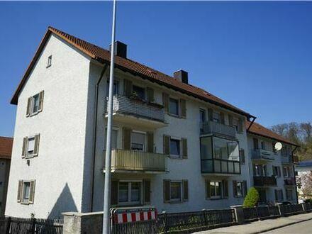 REMAX - Keine Käuferprovision! 3-4 Zimmer Wohnung – verglaster Balkon - günstiger Einstiegspreis - Mergelstetten