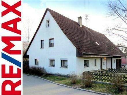 REMAX - Bauernhaus mit großem Garten und ausbaufähigem Dach