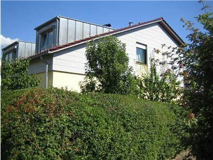 REMAX - Moderne Wohnung (161 m² inkl. ELW 36 m²) mit großem Garten und Doppelgarage