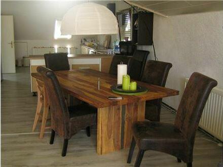 REMAX - 118 m² auf einer Ebene - tolle Wohnung mit Traumblick ins Grüne
