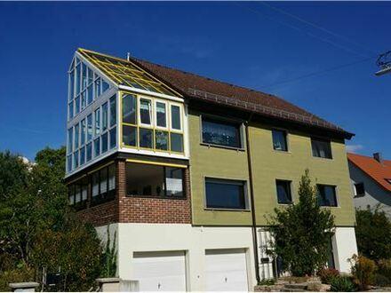 REMAX - Keine Käuferprovision! 6,5m hoher Wintergarten – 248m² Wohnfläche – herrlicher Garten mit Teich – Toplage in der…