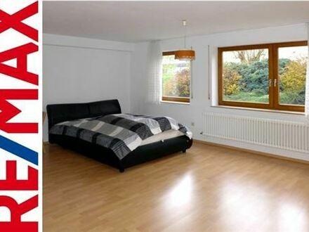 REMAX - Helles, modernes 1-Zi.-Souterrain-Apartment für Pendler