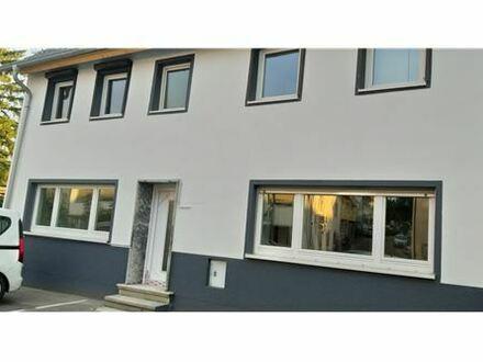 REMAX - 2 Zimmer Wohnung mit viel Potenzial
