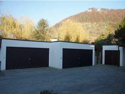 REMAX - Beste Wohnlage, 3 Balkone, 2 Bäder und Doppelgarage warten auf SIE!