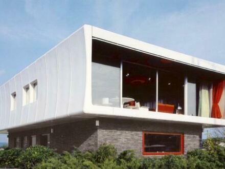 Einzigartig und futuristisch - Haus aus Fiberglas GFK mit Halle