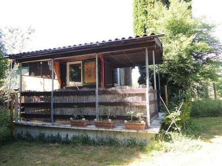 Idyllisches Freizeitgrundstück oder Baugrund / Baugrundstück (c. 900qm) mit kleiner Hütte (c. 55 qm)